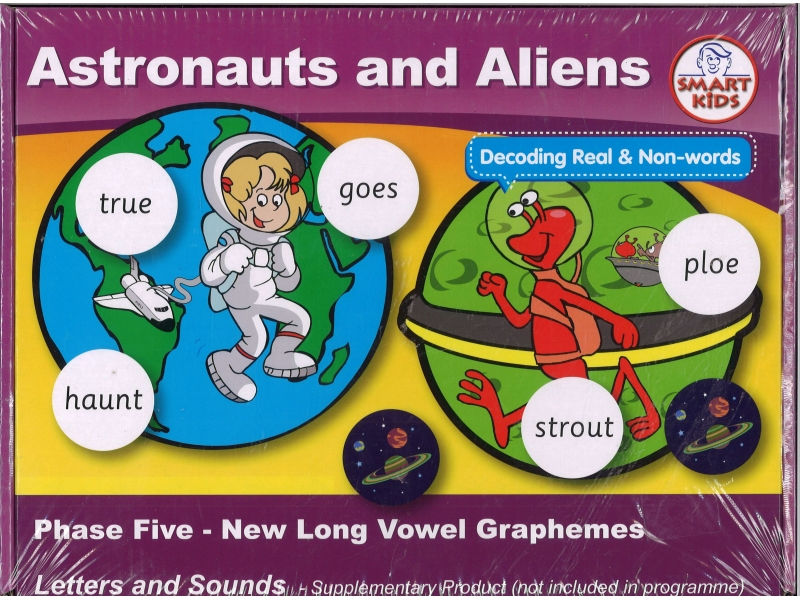 Astronauts And Aliens - Smart Kids
